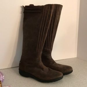 Merrell tall brown distressed leather boots 9.5M